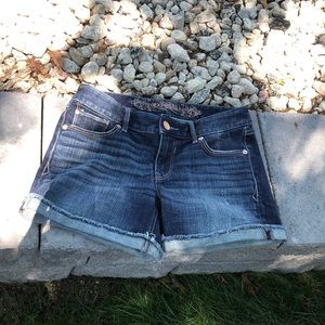 Women's Express distressed Jean shorts